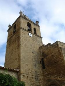 Torre Entera iglesia Frago